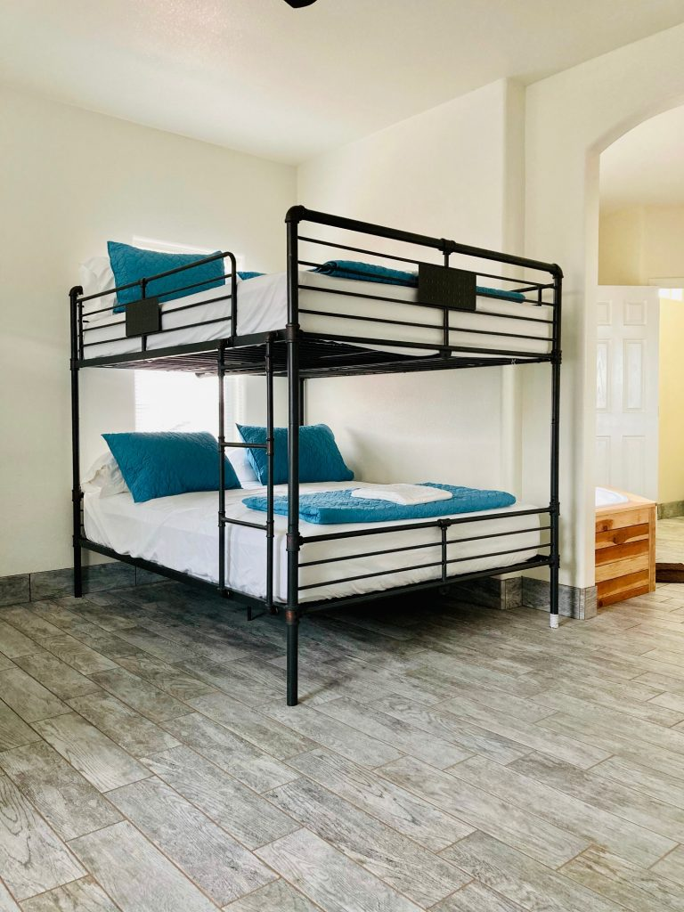 Horseshoe Bend House Bunk Bed Room with ensuite bathroom